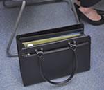 リクルートバッグ 自立 立つ 黒