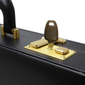 アタッシュケース 専用鍵付き 開け方 鍵交換 通勤