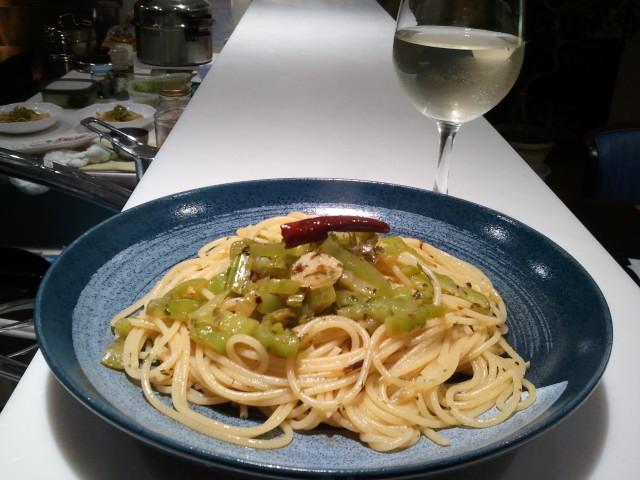 山形青菜の茎で作ったペペロンチーノ