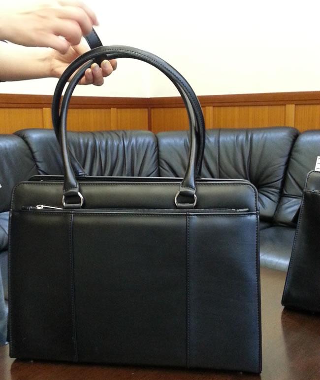 リクルートバッグの2回目のサンプルが仕上がってきました